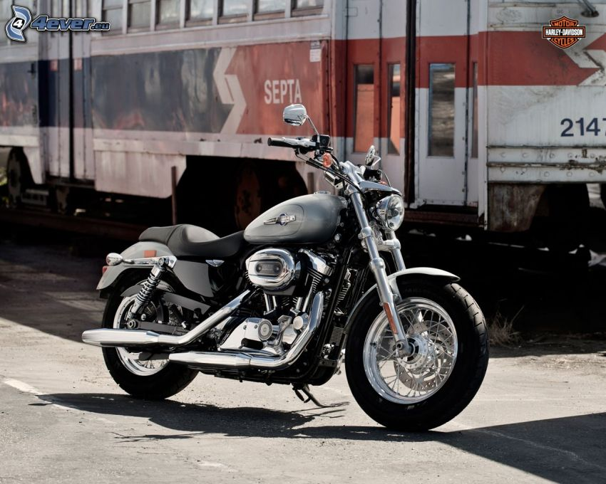 Harley-Davidson, train