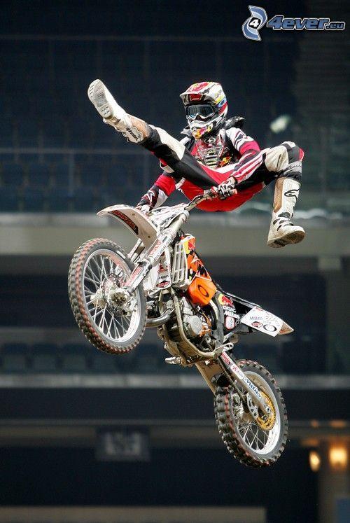 motocross, saut à moto, l'adrénaline