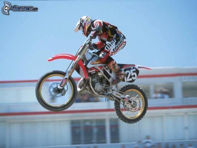 motocross, saut à moto