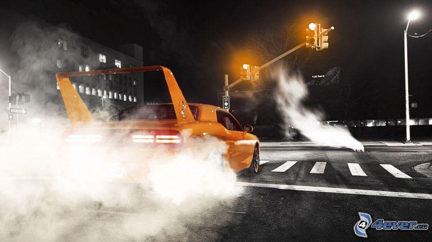 voiture de sport, burnout, fumée, feux tricolores
