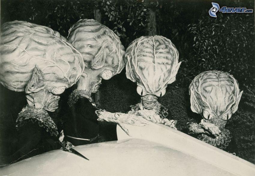 alieni, foto in bianco e nero