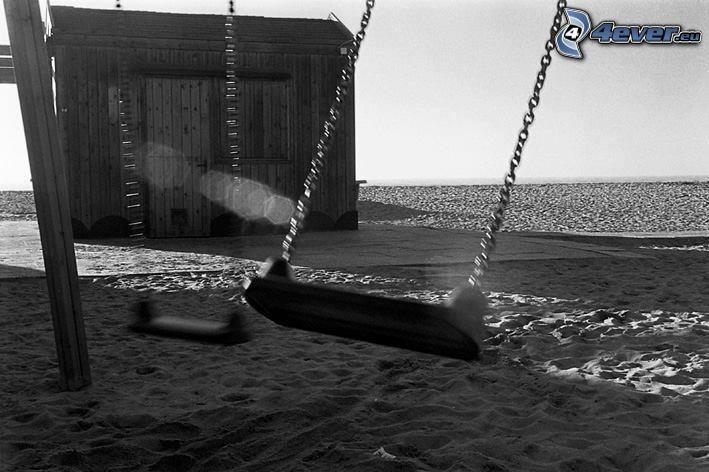 altalene, sabbia, capanna