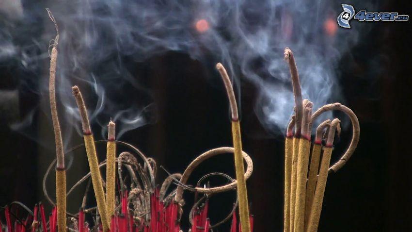bastoncini di incenso, fumo