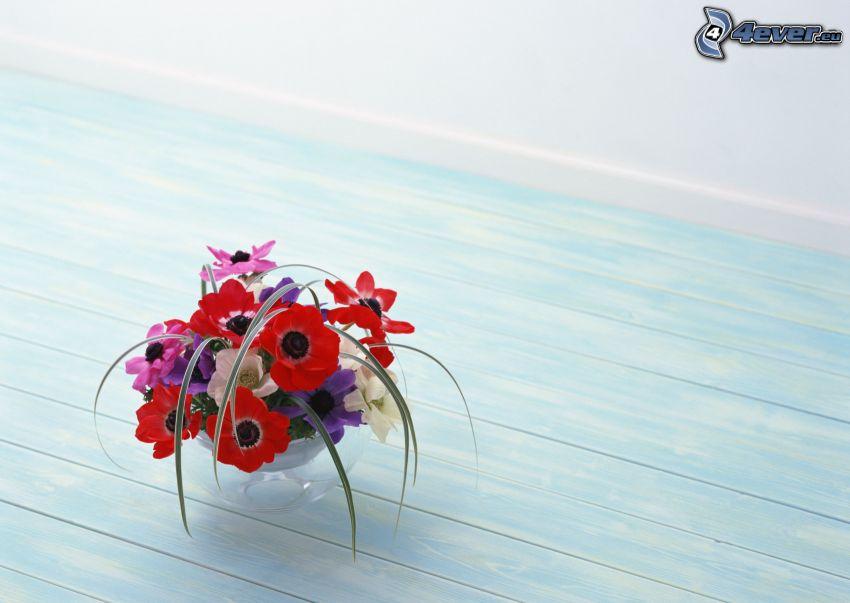 fiori in un vaso, tavolo