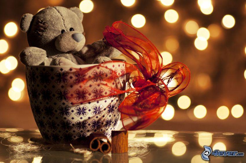 peluche teddy bear, tazza, fiocco, cannella, cerchi