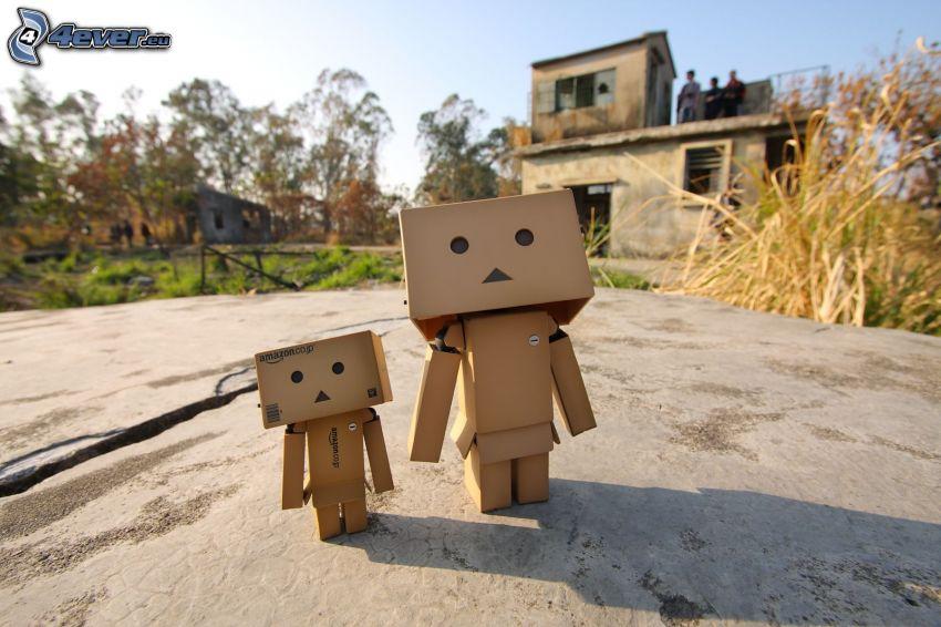robot di carta, vecchia casa