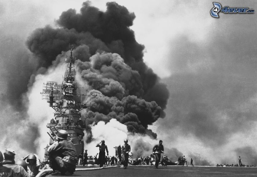 Seconda guerra mondiale, esplosione, soldati, foto in bianco e nero
