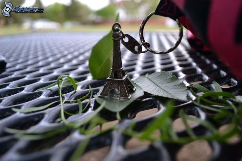 Torre Eiffel, pendente, foglie