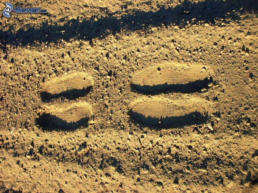 tracce in sabbia