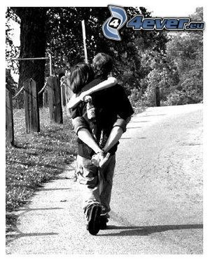 abbraccio, strada
