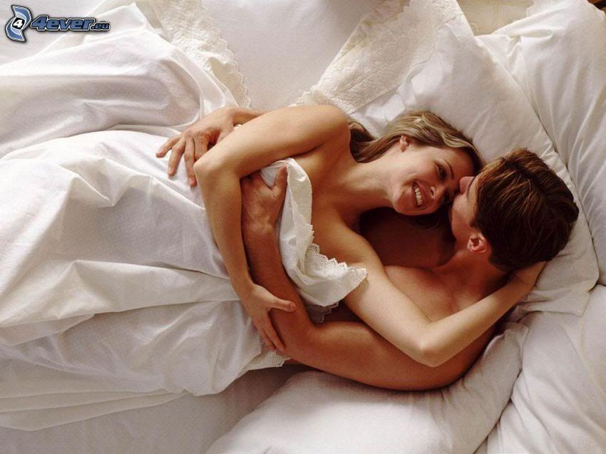 abbraccio a letto