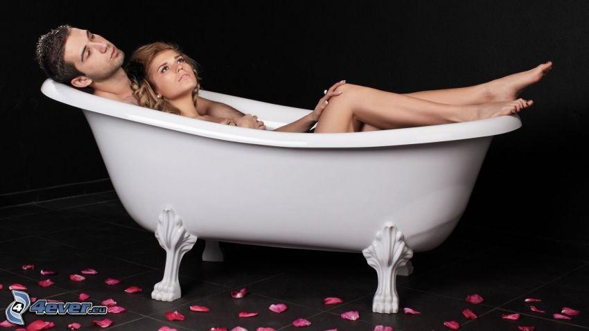 coppia nella vasca