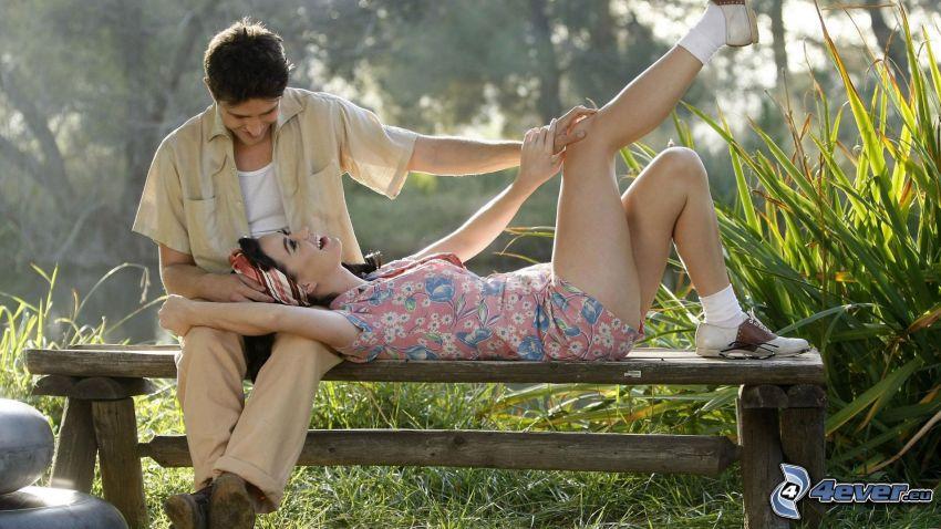 coppia su panchina