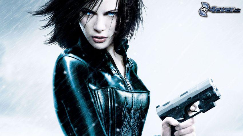 Underworld, ragazza con una arma