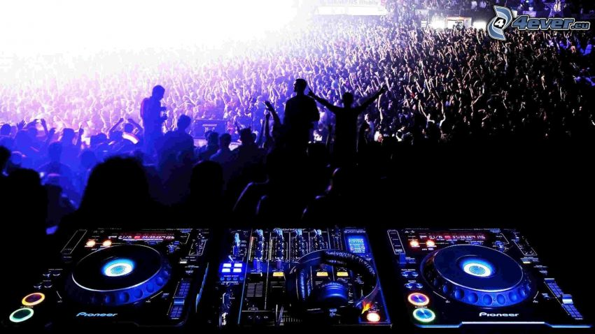 DJ console, concerto, folla, fans