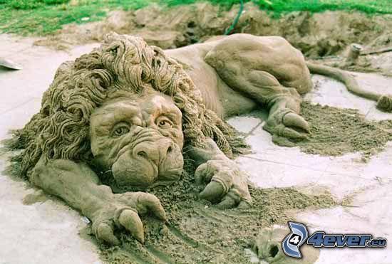 statua di leone, sculture di sabbia