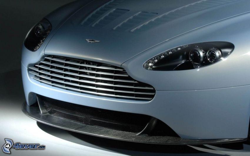 Aston Martin V12 Vantage, griglia anteriore