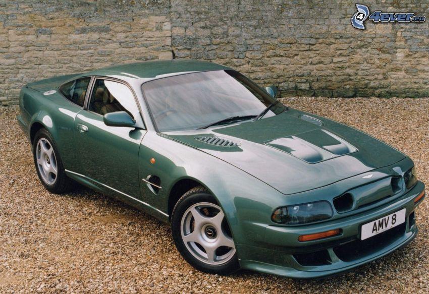 Aston Martin Vanquish, veicolo d'epoca
