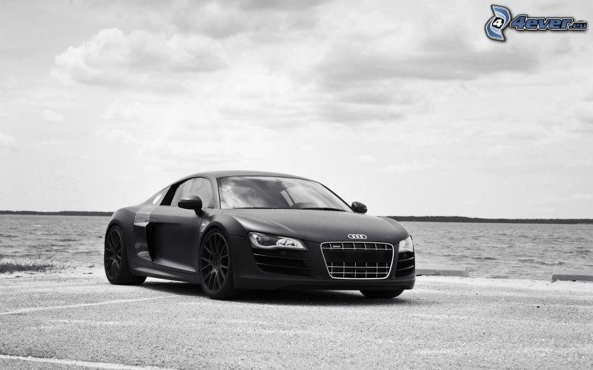 Audi R8, bianco e nero