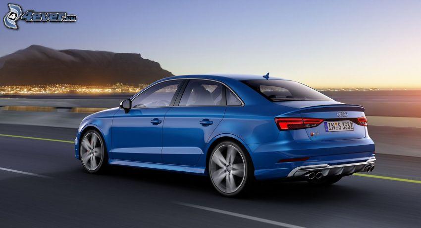 Audi S3, città di sera, strada, velocità