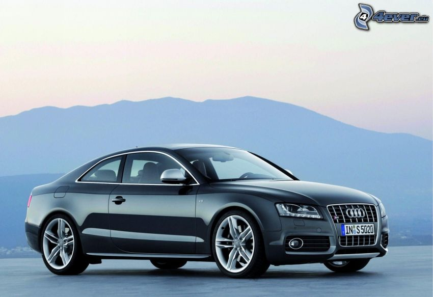 Audi S5, colline