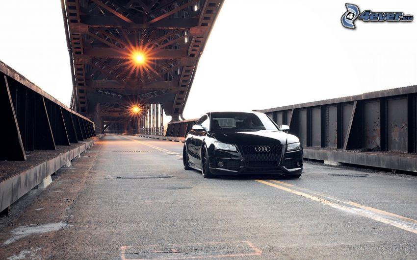 Audi S5, ponte di ferro, luci