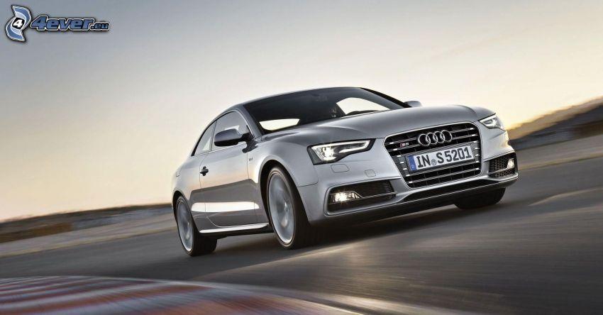 Audi S5, velocità