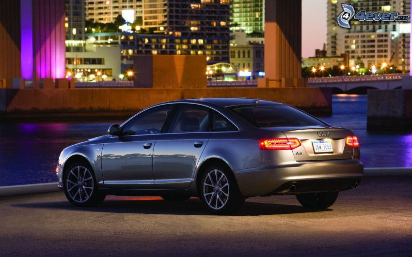Audi S6, città notturno, il fiume