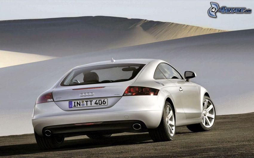 Audi TT, deserto