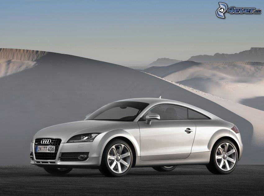 Audi TT, dune di sabbia