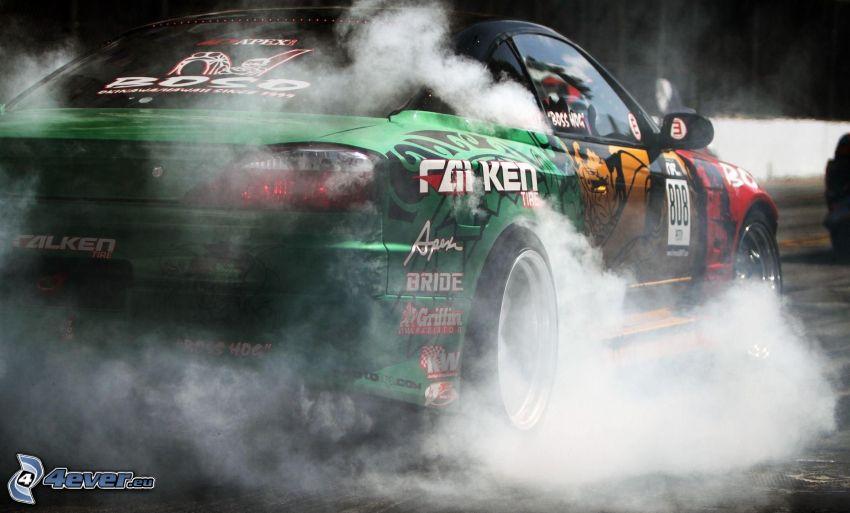 auto da corsa, burnout, fumo