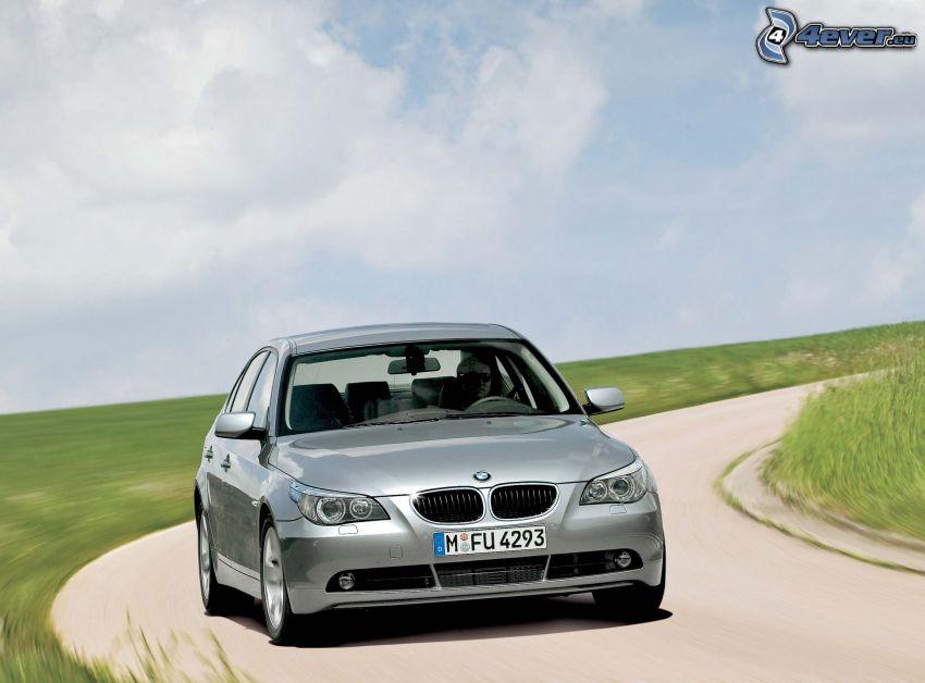 BMW 5, strada, curva