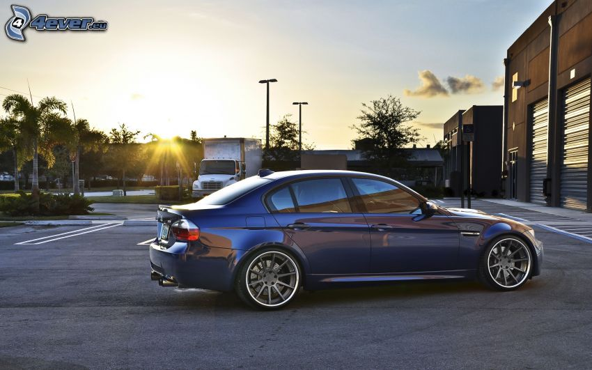 BMW M3, tramonto