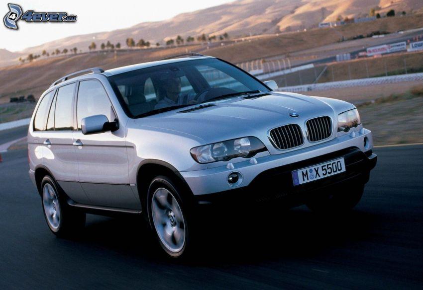 BMW X5, velocità