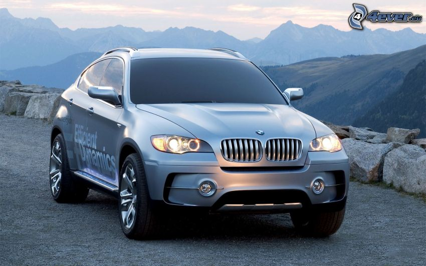 BMW X6, montagna