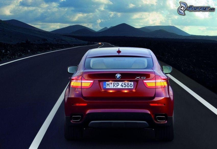 BMW X6, strada, colline