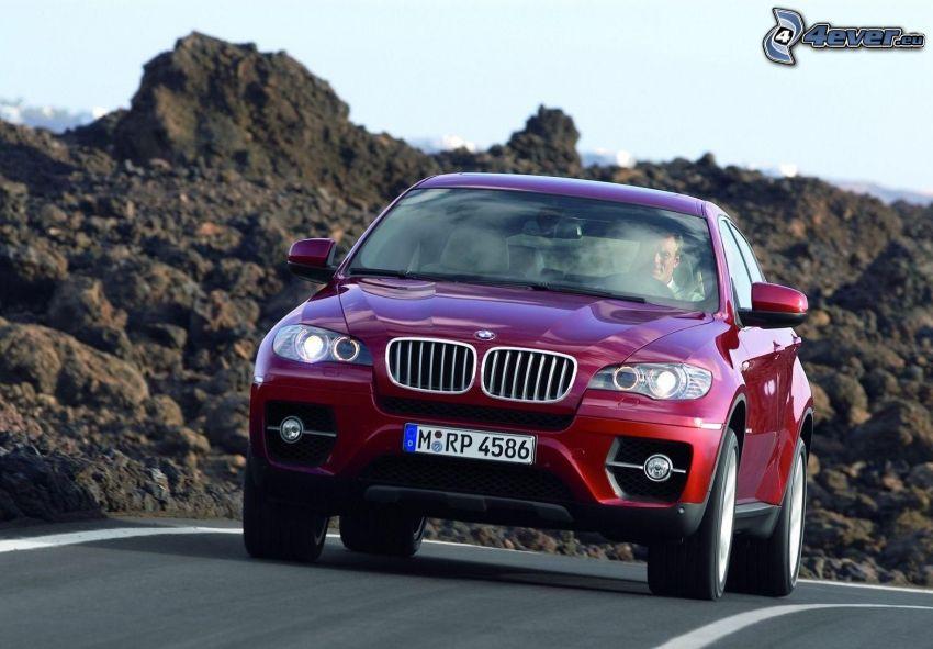 BMW X6, strada