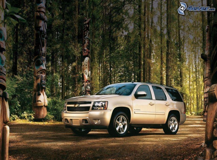 Chevrolet Tahoe, foresta, totem