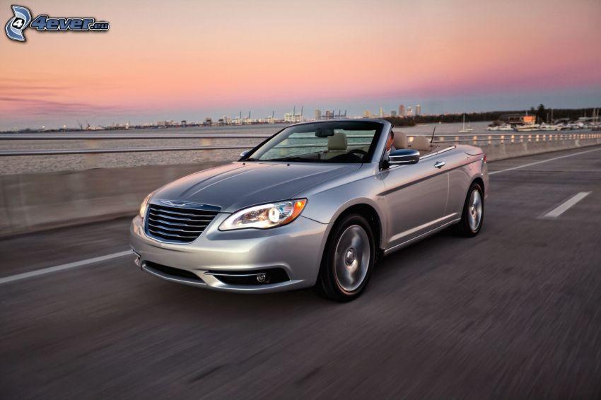 Chrysler 200 Convertible, cabriolet, cielo di sera