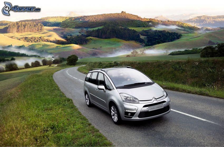 Citroën C4 Picasso, strada, montagne