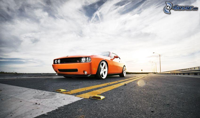 Dodge Challenger, strada