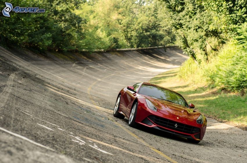 Ferrari F12 Berlinetta, strada