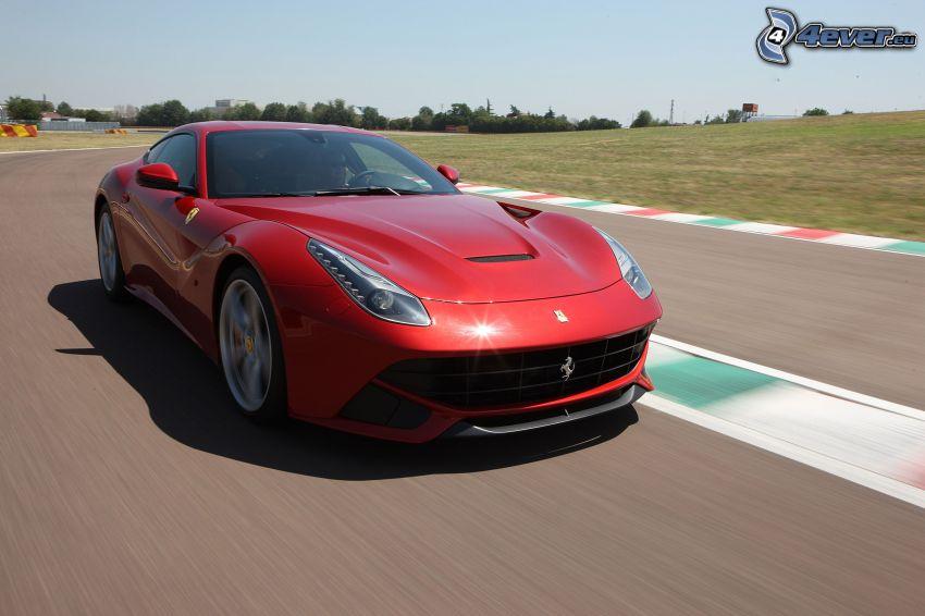 Ferrari F12 Berlinetta, velocità, circuito da corsa