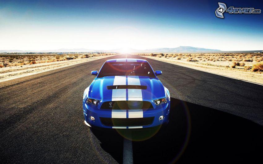 Ford Mustang Shelby GT500, strada diritta, deserto