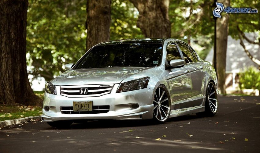 Honda Accord, strada