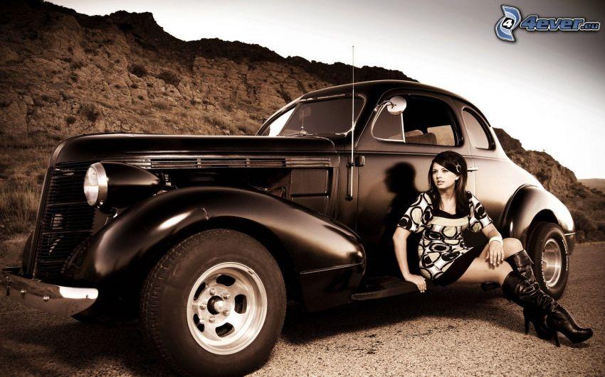 Hot Rod, veicolo d'epoca, donna, color seppia