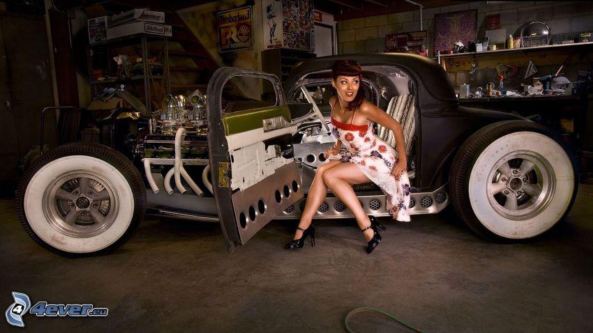 Hot Rod, veicolo d'epoca, donna in macchina, officina