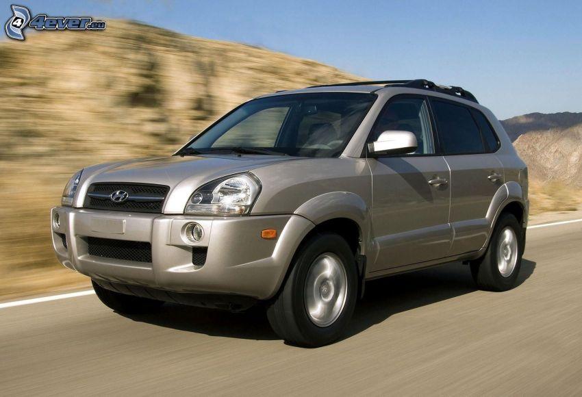 Hyundai Tucson, SUV, velocità