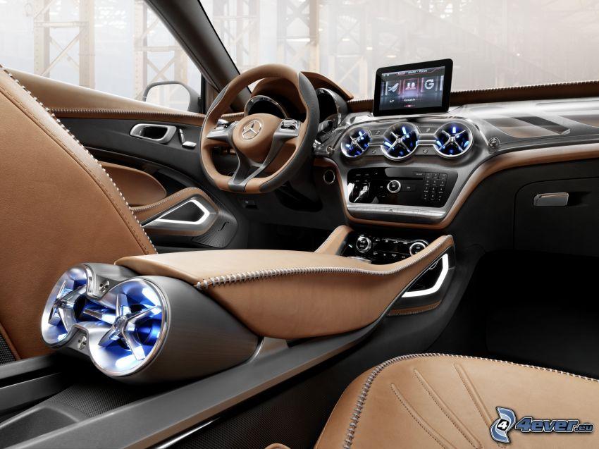 interno della Mercedes-Benz GLA