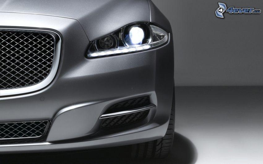 Jaguar XJ, griglia anteriore